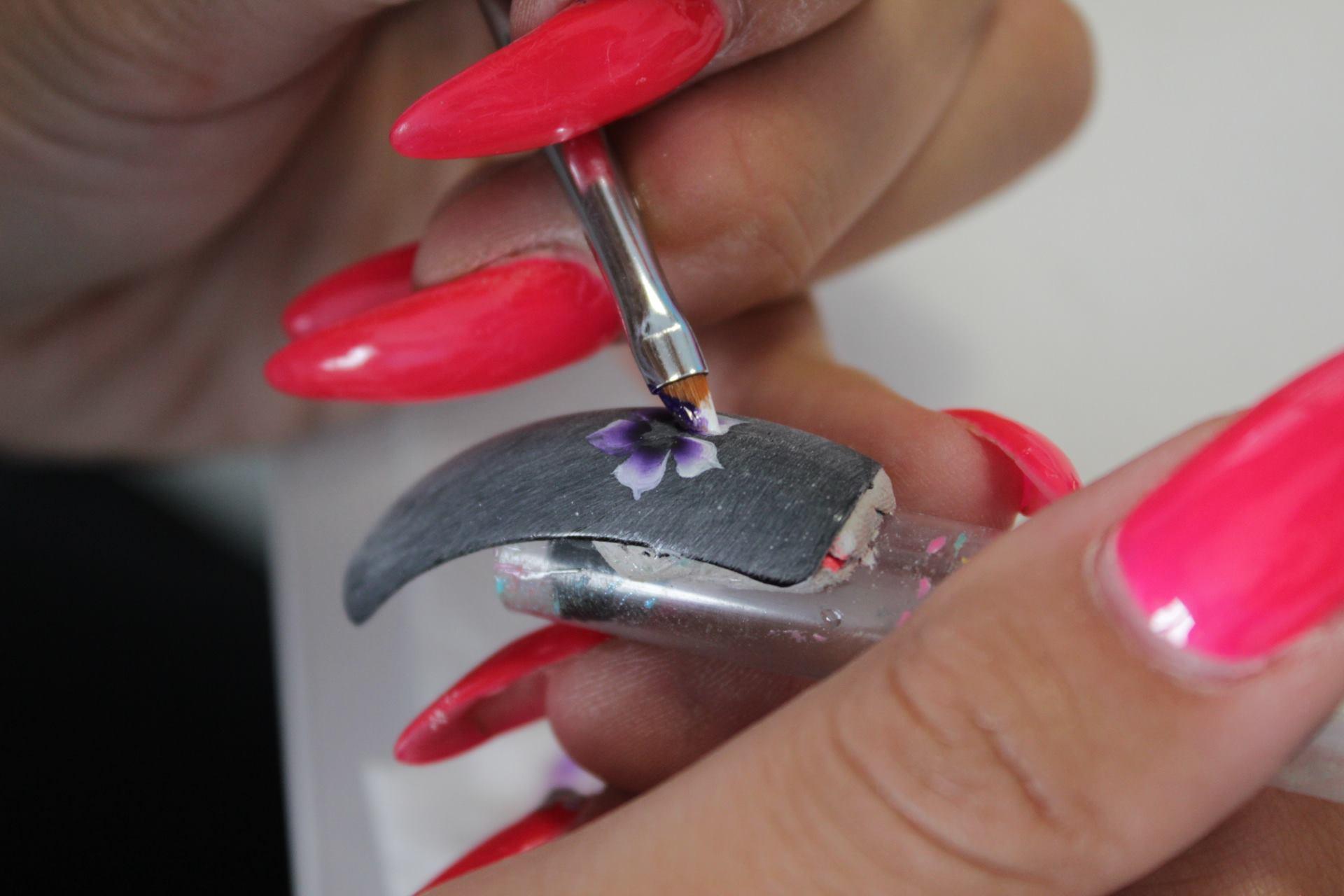 decorazione unghie, nail art, corsi, scuola estetica, micropittura, acquerello, disegni