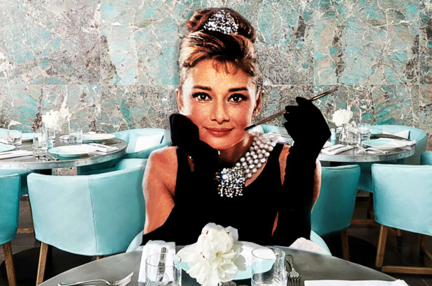 dine-with-breakfast-at-tiffanys